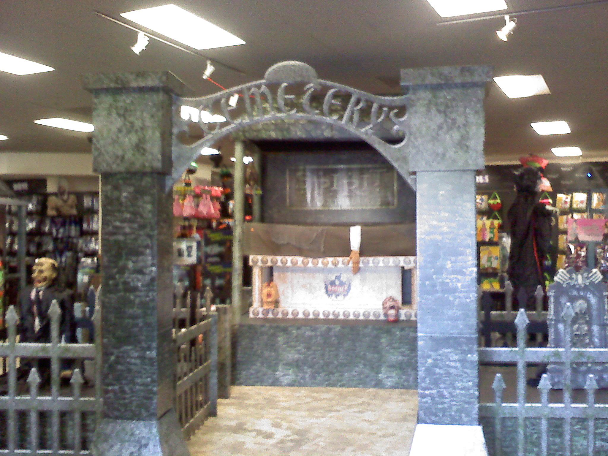 Halloween Shop Displays.Spirit Halloween Stores Spirit Halloween Super Stores Spirit Santee